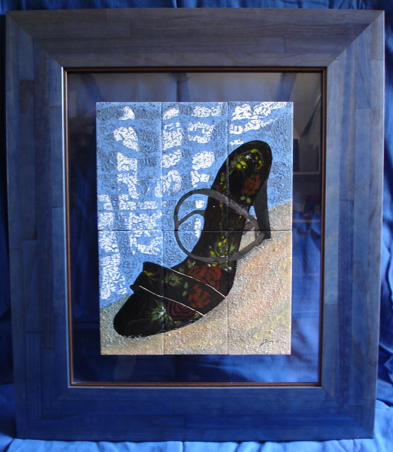 Baldosas de cerámica esmalte sobre cristal y marco de madera.